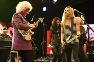 Jennifer Batten and Nita Strauss Photo by Kevin Graft