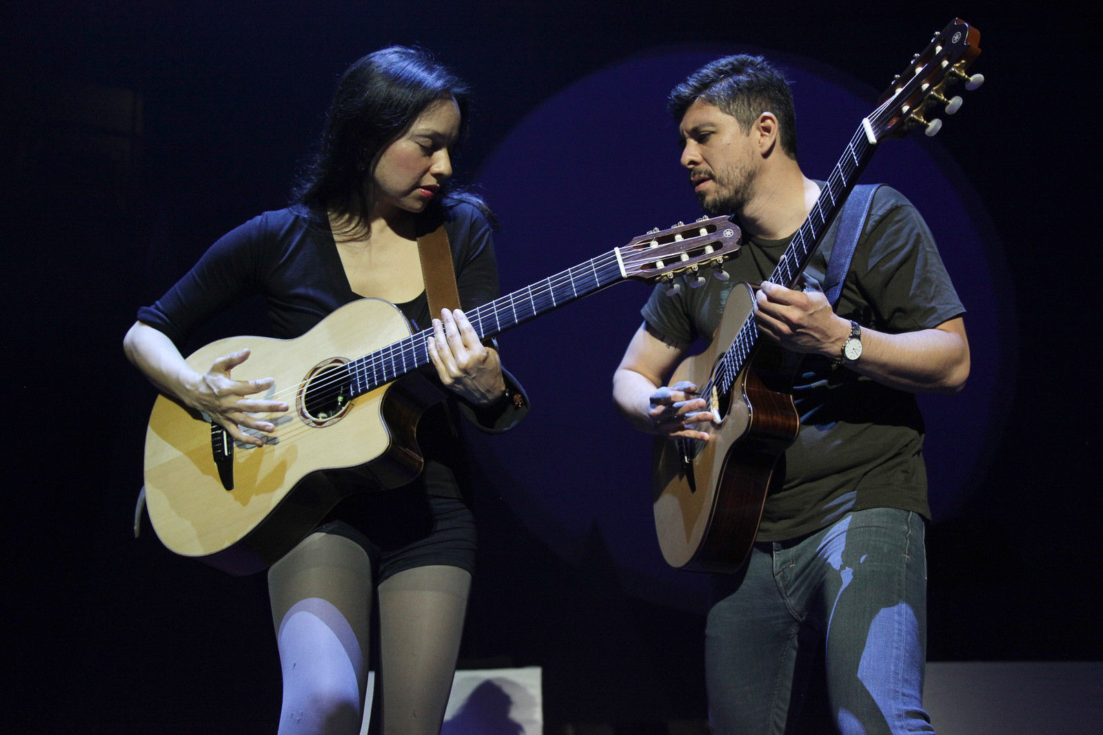 musician gabriela quintero auctions her personal yamaha guitar for benefit the wimn the. Black Bedroom Furniture Sets. Home Design Ideas